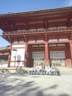 東大寺の大仏殿へ