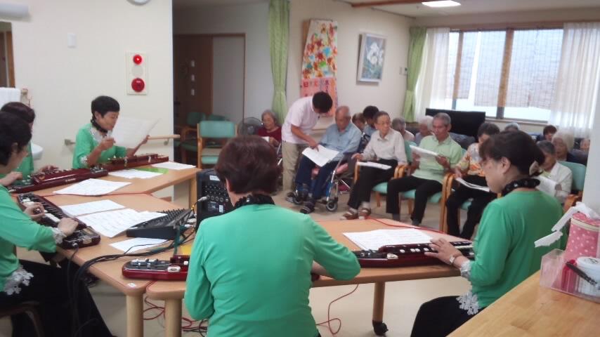 大正琴の演奏会